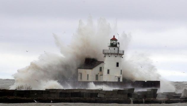 Hurricane Sandy - Lighthouse & Waves
